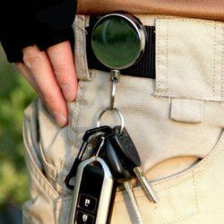 Брелок для ключей ретрактор. Способ ношения / применения